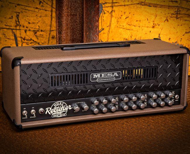 Mesa Boogie Dual Rectifier mustalla etulevyllä ja cocoa bronco -vinyylillä.