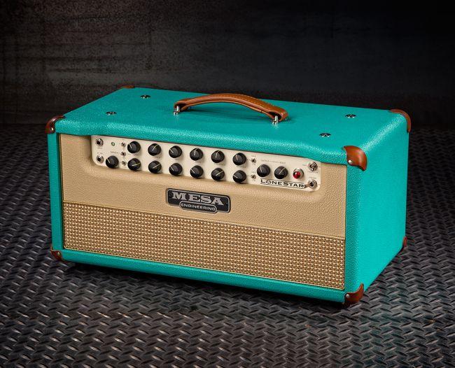 Mesa Boogie Lonestar Special turkoosilla vinyylikuorella, tan-nahkaosilla ja veelealla etulevyllä.