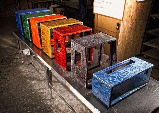 Mesa/ Boogie hardwood-kaappeja erivärisillä viimeistelyillä.