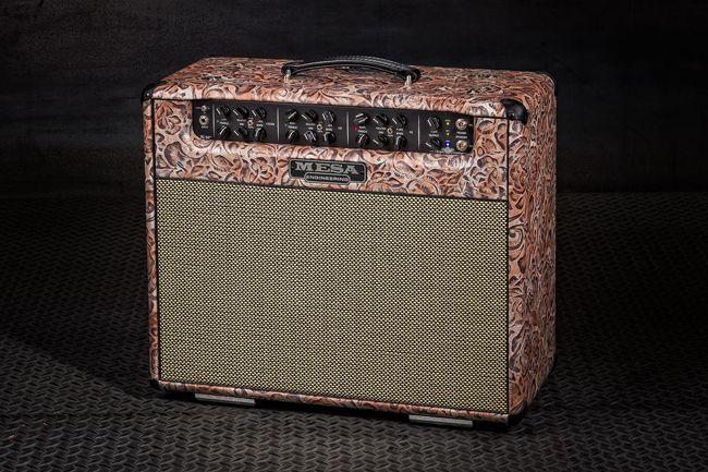 Mesa/Boogie Triple Crown -kitaravahvistin paisley-kuvioisella vinyylillä.