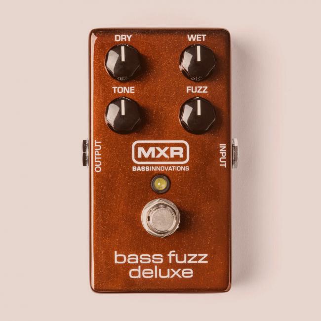 MXR Bass Fuzz Deluxe bassopedaali M284.