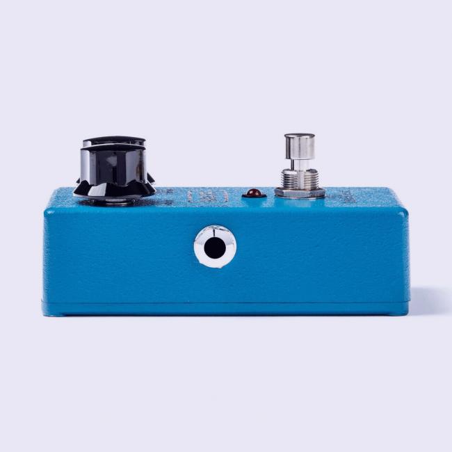 MXR Blue Box kitarapedaali M103 vasemmalta.