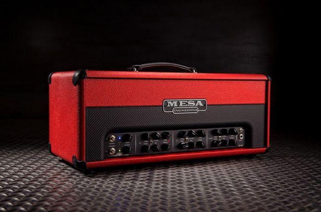 Mesa/ Boogie Triple Crown, jossa on käytetty pinnoitteena kahta eriväristä tolexia.