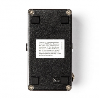 M300 Reverbin kumitassut, jotka voidaan irroittaa kun laite kiinnitetään pedaalilautaan.