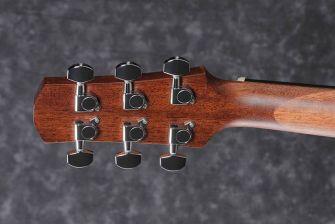 Ibanez AAD140-OPN akustisen kitaran lapa takaa.