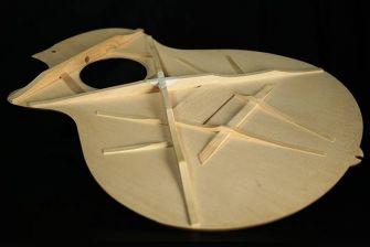 Ibanez AE-kitaran X-M-rimoitus.