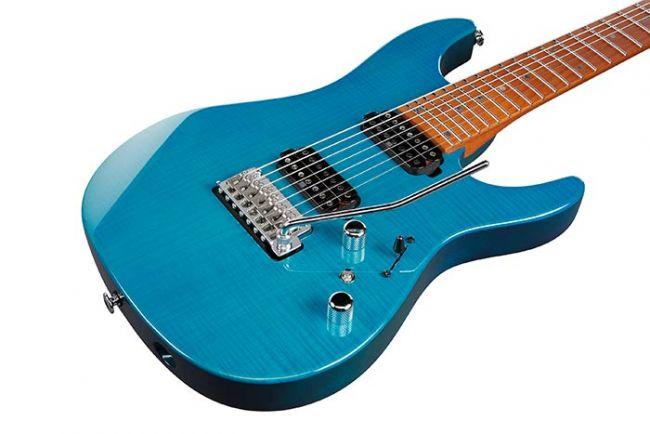 Ibanez MM7-TAB Martin Miller -kitaran kansi lähikuvassa.