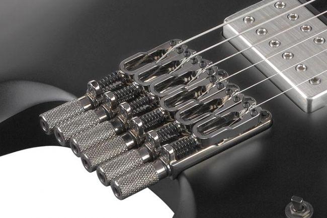 Lavattoman Ibanez Q-kitaran tallat.
