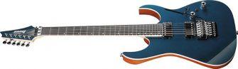 Ibanez RG5320C-DFM kitara kulmasta kuvattuna.