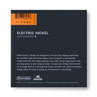 Dunlop Nickel Wound Performance+ DEN0942 -sähkökitaran kielipaketti takaa.