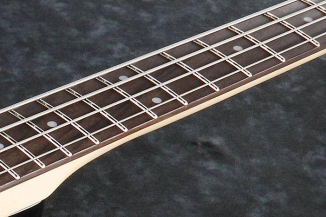 Ibanez SR500-basson otelauta.